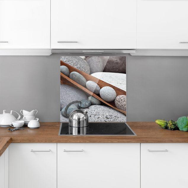 Glas Spritzschutz - Stillleben mit grauen Steinen - Quadrat - 1:1