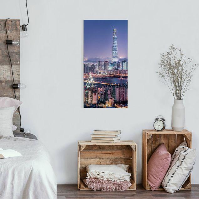Leinwandbild - Lotte World Tower bei Nacht - Hochformat 1:2