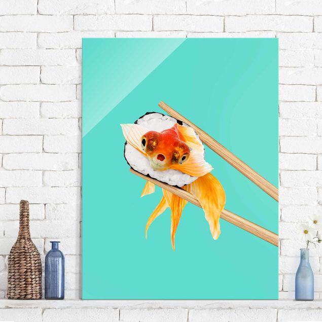 Glasbild - Jonas Loose - Sushi mit Goldfisch - Hochformat 4:3