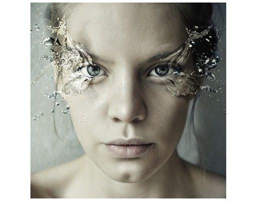 Beistelltisch - Emotionale Frau