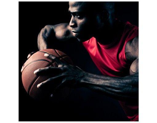 Beistelltisch - Nahaufnahme eines Basketballers