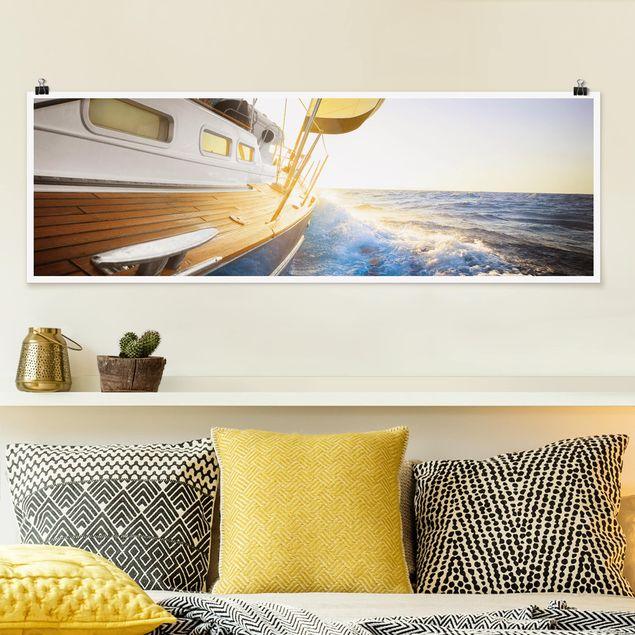 Poster - Segelboot auf blauem Meer bei Sonnenschein - Panorama Querformat