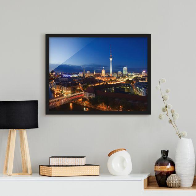 Bild mit Rahmen - Fernsehturm bei Nacht - Querformat 3:4