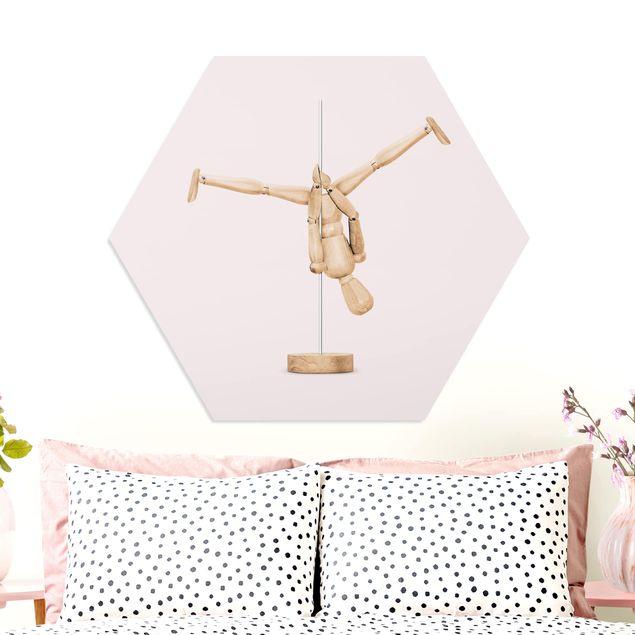 Hexagon Bild Forex - Jonas Loose - Poledance mit Holzfigur