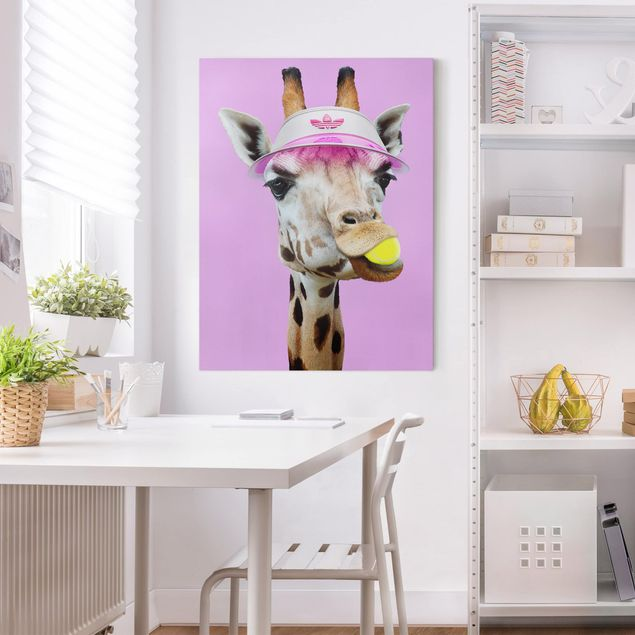 Leinwandbild - Jonas Loose - Giraffe beim Tennis - Hochformat 4:3