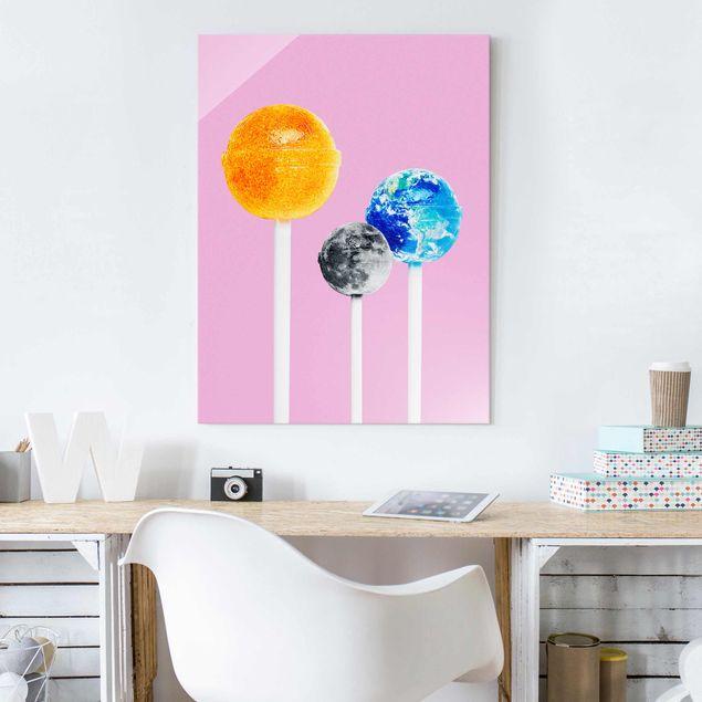 Glasbild - Jonas Loose - Lollipops mit Planeten - Hochformat 4:3
