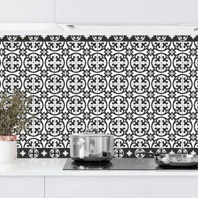 Küchenrückwand - Geometrischer Fliesenmix Kreise Schwarz