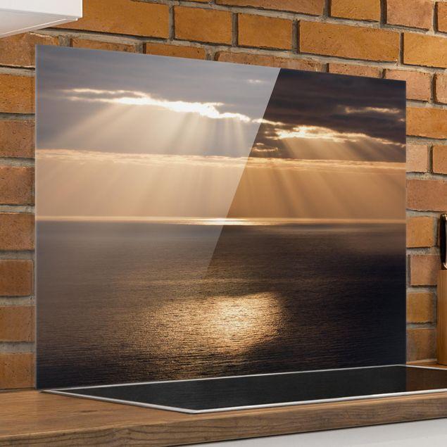 Glas Spritzschutz - Sonnenstrahlen über dem Meer - Querformat - 4:3