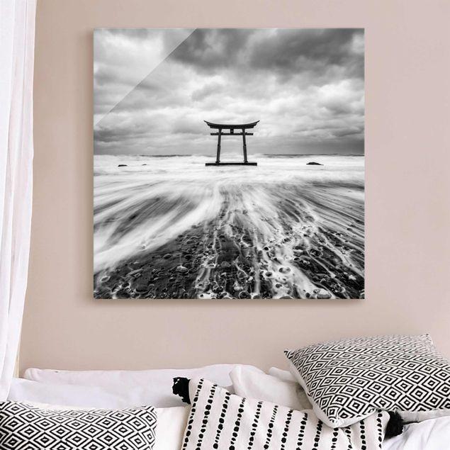 Glasbild - Japanisches Torii im Meer - Quadrat 1:1