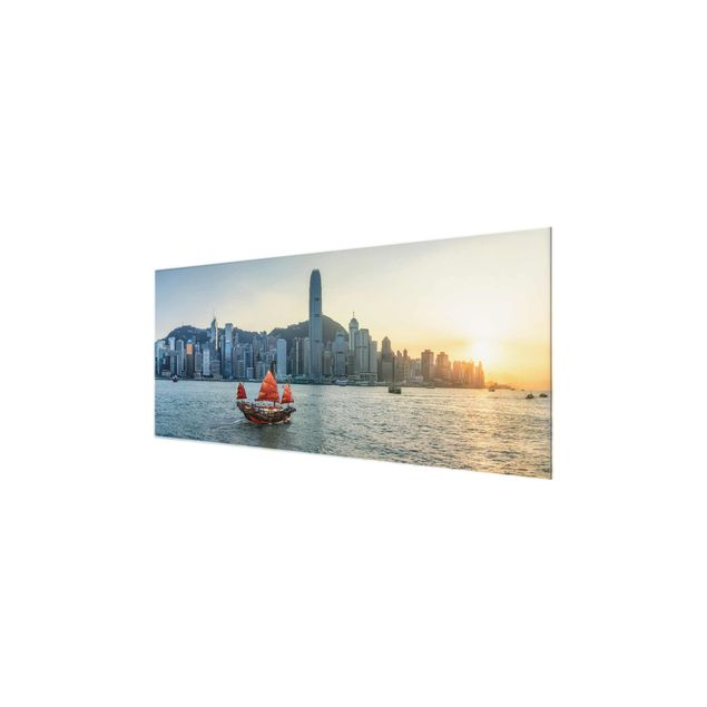 Glasbild - Dschunke im Victoria Harbour - Panorama