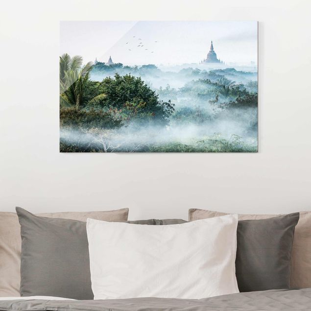 Glasbild - Morgennebel über dem Dschungel von Bagan - Querformat 3:2