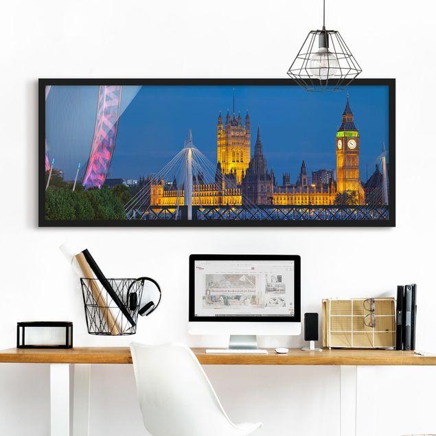 Bild mit Rahmen - Big Ben und Westminster Palace in London bei Nacht - Panorama Querformat