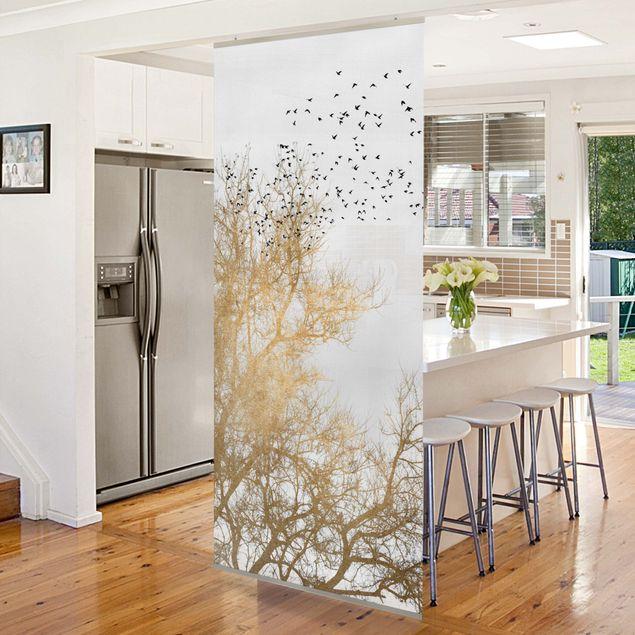 Raumteiler - Vogelschwarm vor goldenem Baum - 250x120cm