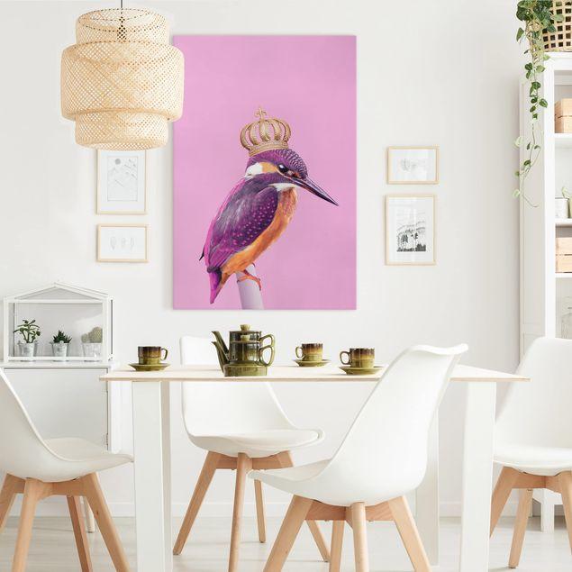 Leinwandbild - Jonas Loose - Rosa Eisvogel mit Krone - Hochformat 3:2