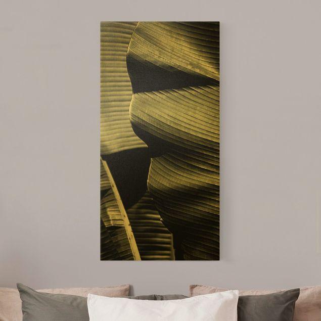 Leinwandbild Gold - Nahaufnahme Bananenblatt - Hochformat 1:2