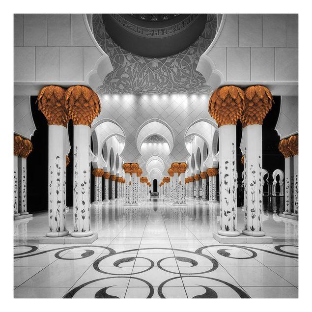 Beistelltisch - In der Moschee