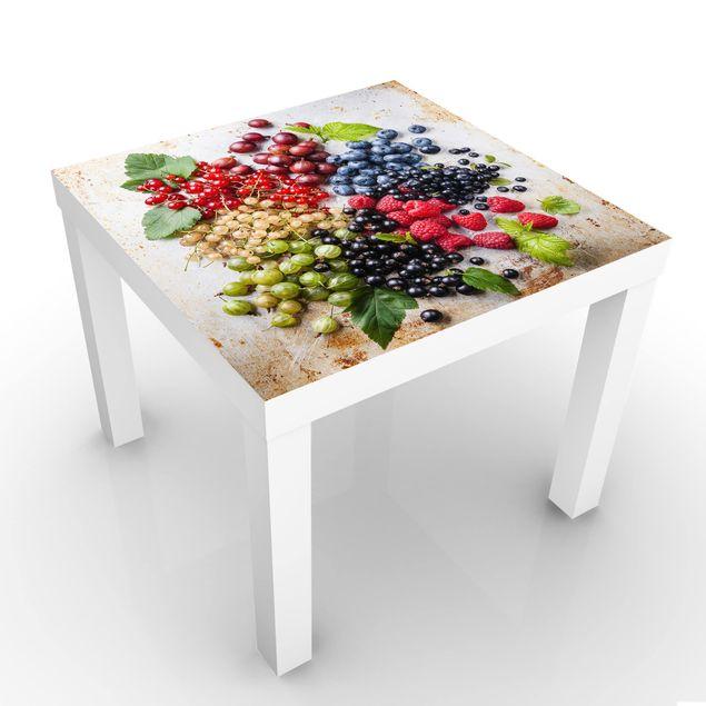 Beistelltisch - Mischung aus Beeren auf Metall