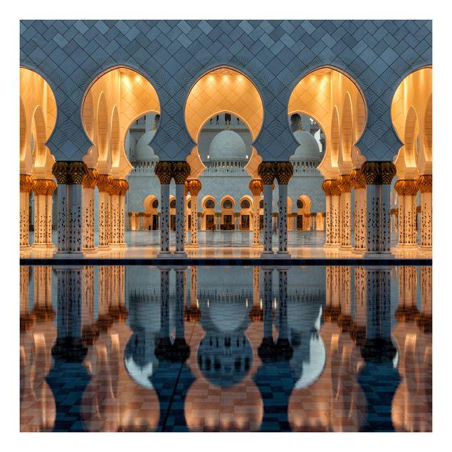 Beistelltisch - Reflexionen in der Moschee