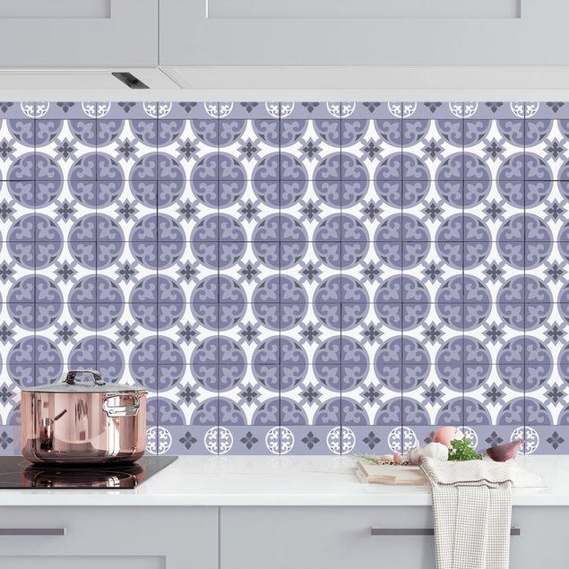 Küchenrückwand - Geometrischer Fliesenmix Kreise Violett