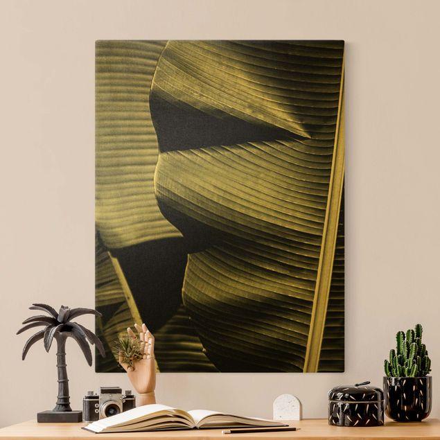 Leinwandbild Gold - Nahaufnahme Bananenblatt - Hochformat 3:4