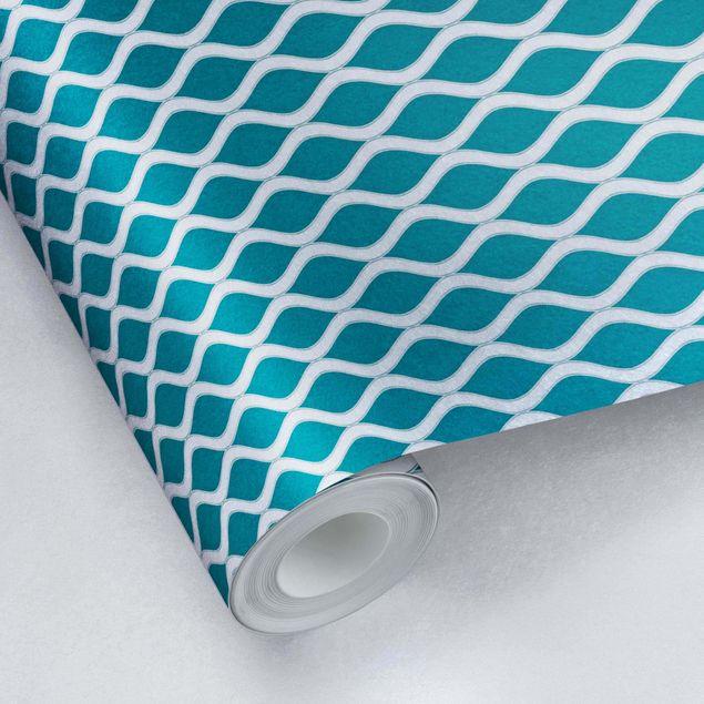 Metallic Tapete - Dunkles Retro Muster mit glänzenden Wellen in smaragd