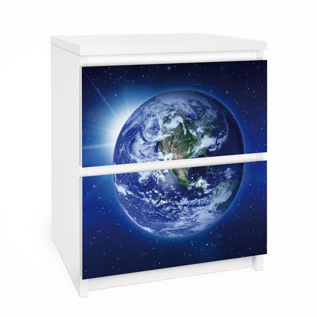 Möbelfolie für IKEA Malm Kommode - Selbstklebefolie Erde im Weltall