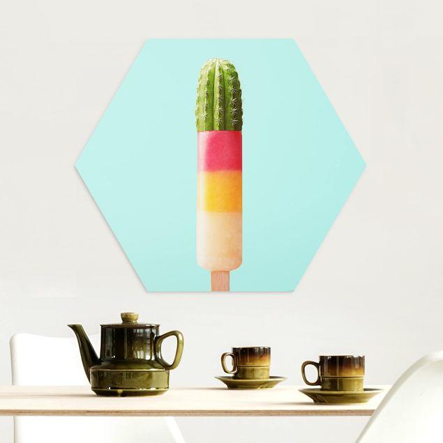 Hexagon Bild Alu-Dibond - Jonas Loose - Eis mit Kaktus