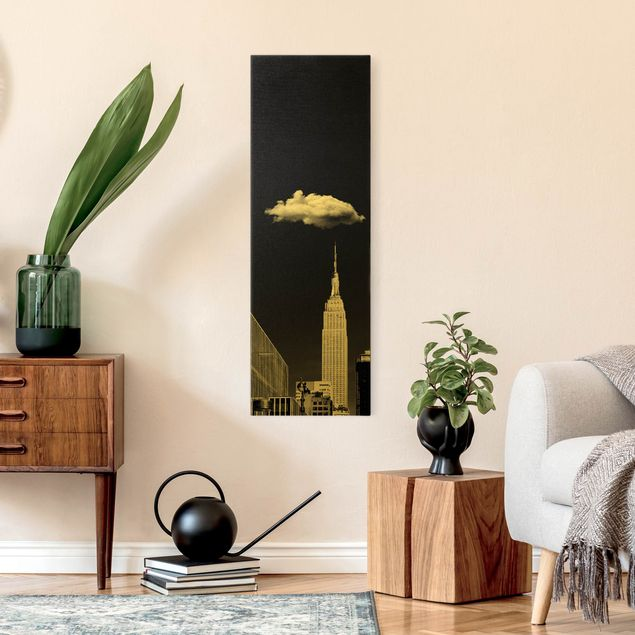 Leinwandbild Gold - New York mit einzelner Wolke - Hochformat 1:3