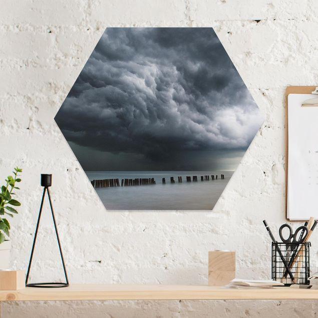 Hexagon Bild Forex - Sturmwolken über der Ostsee