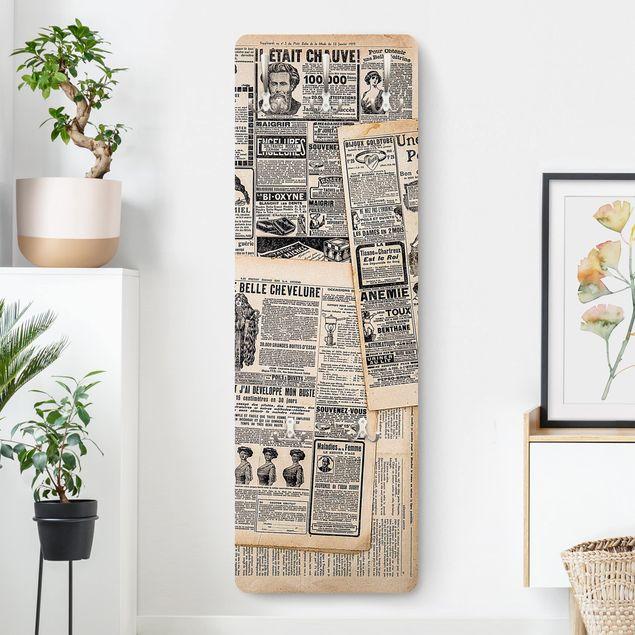Garderobe - Antike Zeitungen