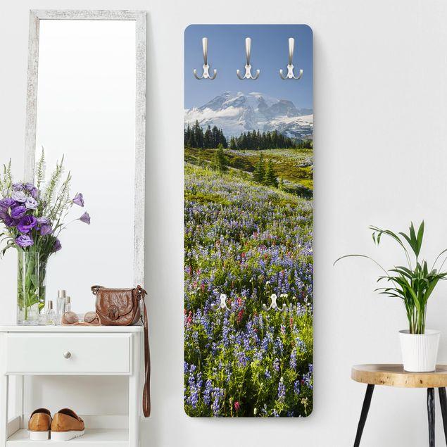Garderobe - Bergwiese mit Blumen vor Mt. Rainier