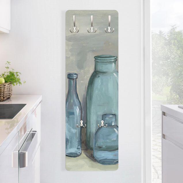 Garderobe - Stillleben mit Glasflaschen II
