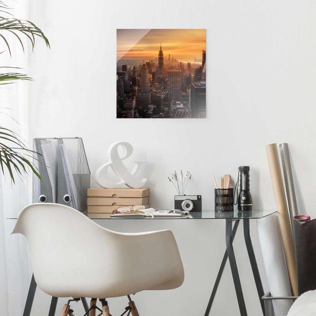 Glasbild - Manhattan Skyline Abendstimmung - Quadrat 1:1