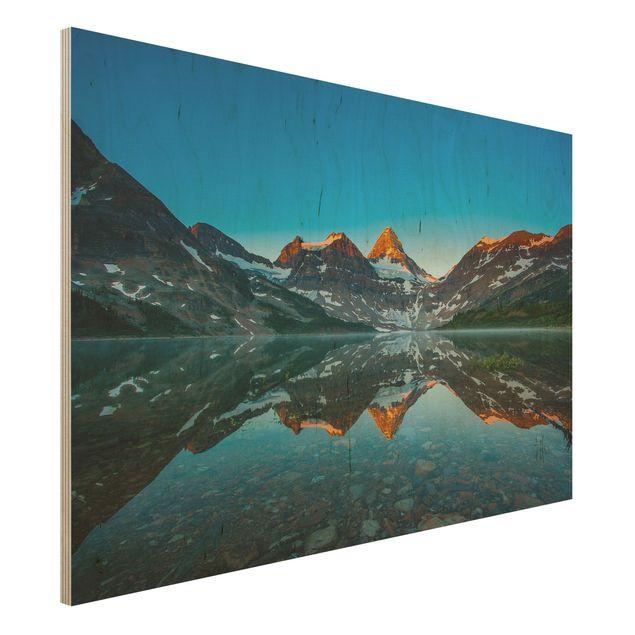 Holzbild - Berglandschaft am Lake Magog in Kanada - Quer 3:2