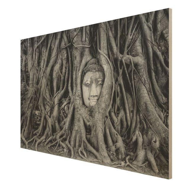 Holzbild - Buddha in Ayutthaya von Baumwurzeln gesäumt in Schwarzweiß - Quer 3:2