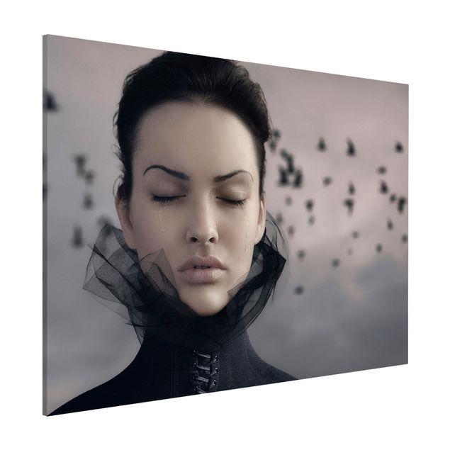 Magnettafel - Porträt einer weinenden Frau - Memoboard Quer