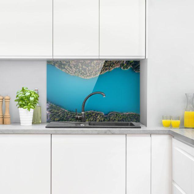 Spritzschutz Glas - Luftbild - Tiefblauer See - Querformat 2:3