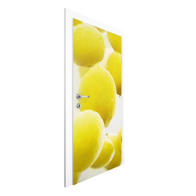 Türtapete - Zitronen im Wasser