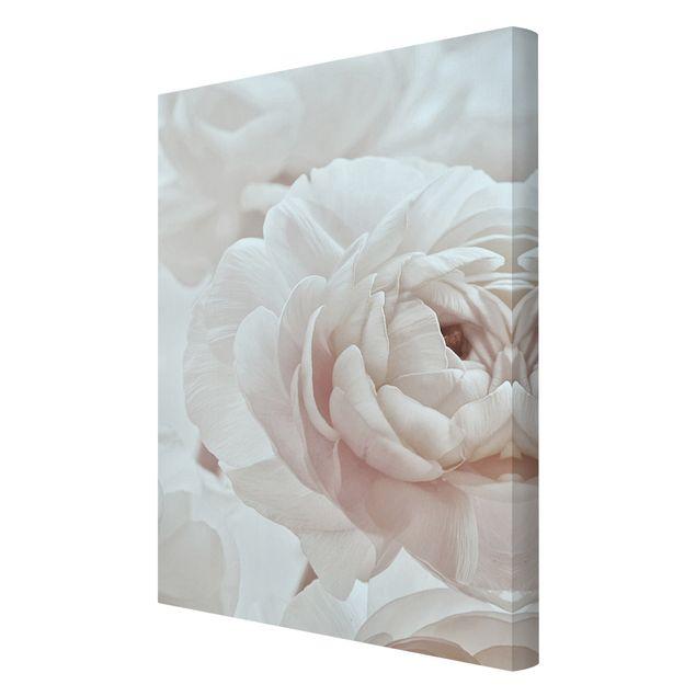 Leinwandbild - Weiße Blüte im Blütenmeer - Hochformat 2:3